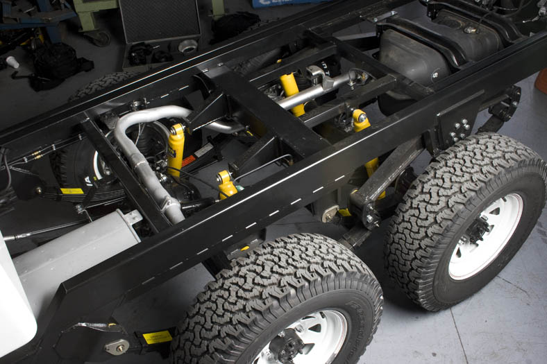 TOYOTA 6x6 chassis